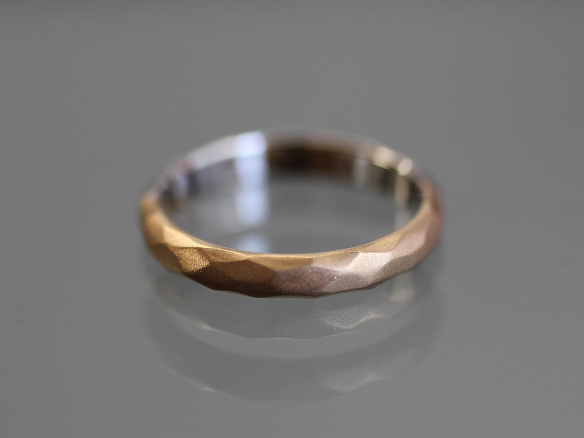 2色 結婚指輪 槌目