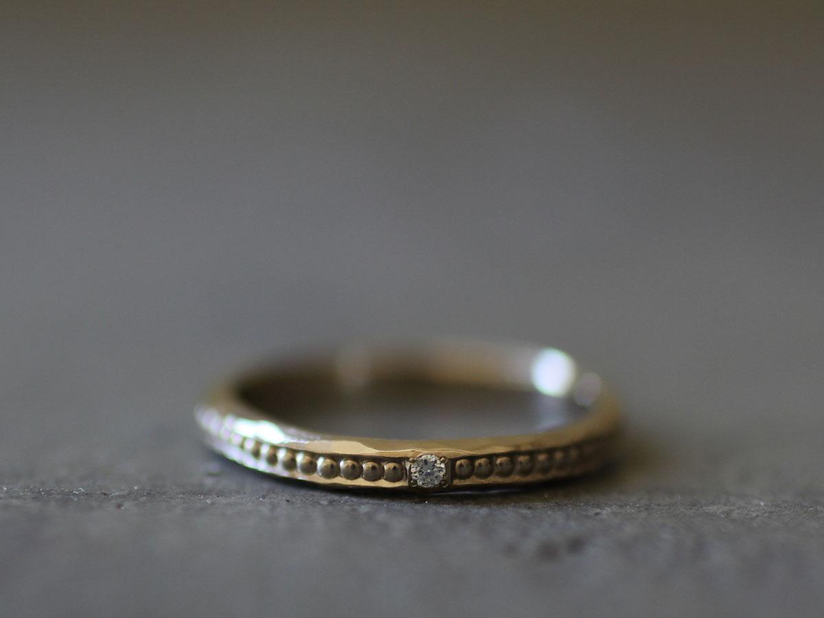 ダイヤの入ったミル打ちリング
