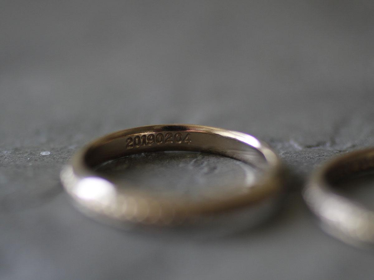 結婚指輪のクラシックな刻印