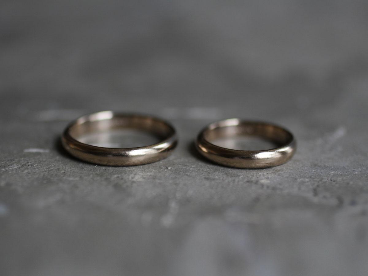 極めてシンプルな結婚指輪