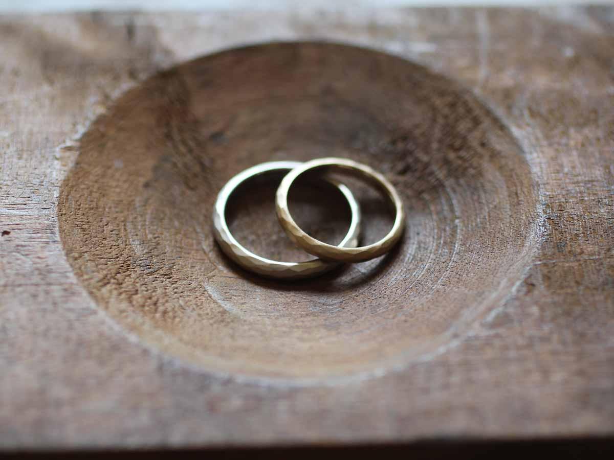 素朴な結婚指輪