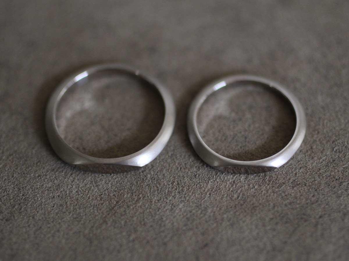 ソリッドな結婚指輪